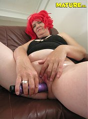 This mature slut sure loves her toys